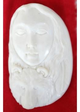 Factory Price Bali Bone Carved Pendant Spirit Model