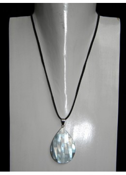 Necklace With Shell Pendant Stainless New!