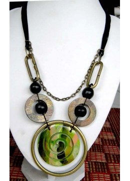 Painting Mop Shell Necklace For Sale