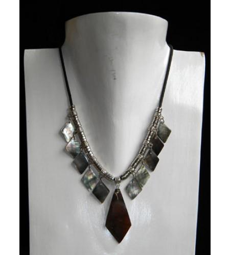 Cut Necklace Pendant Shell Kasandra Bali