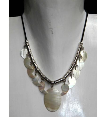 Cut Necklace Pendant Shell Kasandra Bali Artisan