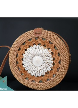 Natural Round Rattan Bag With Shell Ornament And Hand Woven