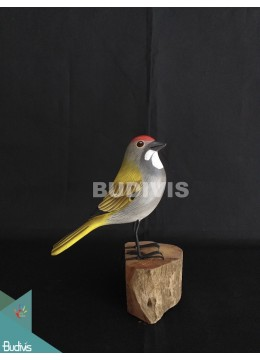 Wholesale Figurine Realistic European Robin Wooden Birds Carving Hand Painted Garden Decor
