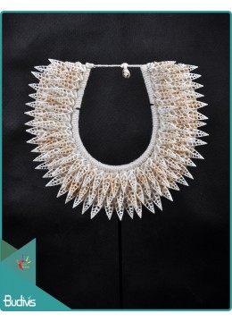 Low Price Tribal Necklace Shell Decorative On Stand Decor Interior