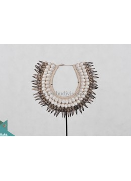Primitive Shell Decoration Necklace Tribal Shell Decorative Standing Interior