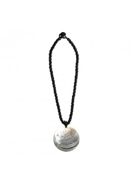 Penden Mop Shell Sliding Necklace For Sale