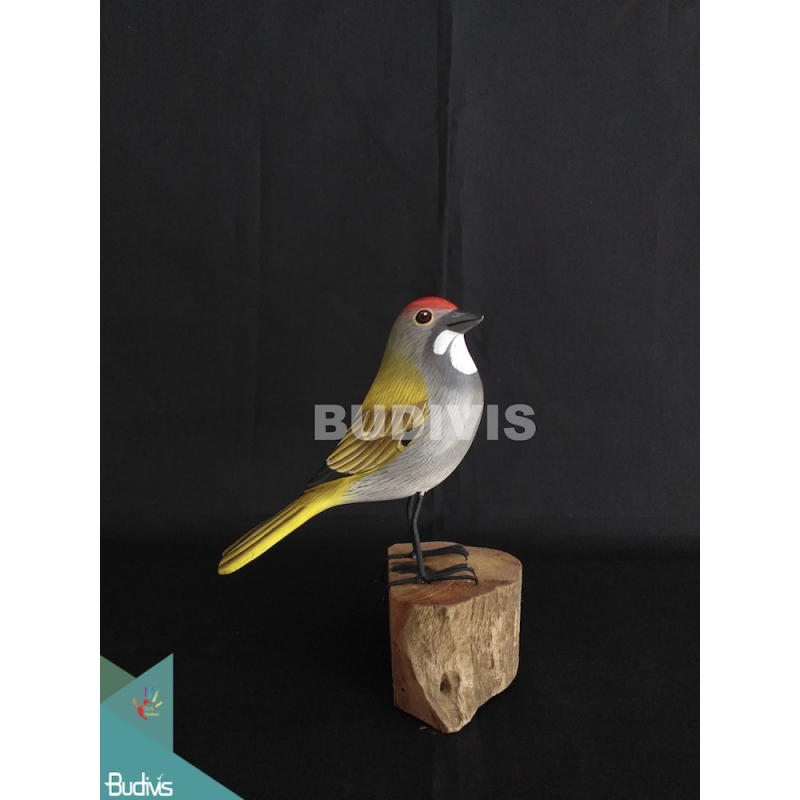 Wholesale Figurine Realistic European Robin Wooden Birds Carving Hand Painted Garden Decor