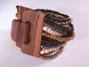 Beaded Bracelet Wood Clasp